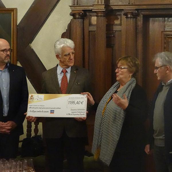 Remise du chèque pour la Ligue contre le cancer à Kaysersberg